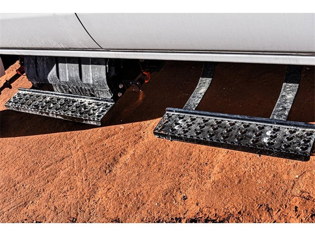 2019 Chevrolet Silverado 5500 Crew Cab DRW 4x4, Knapheide Crane Body Mechanics Body #C19661 - photo 10