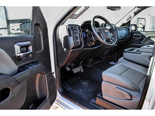 2019 Chevrolet Silverado 5500 Crew Cab DRW 4x4, Knapheide Crane Body Mechanics Body #C19661 - photo 13