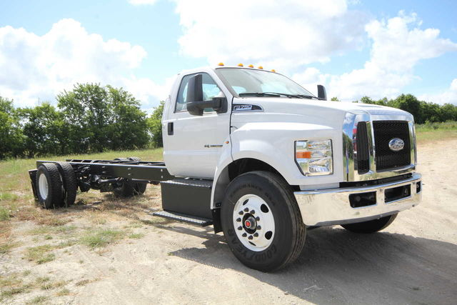 2018 F-750 Regular Cab DRW 4x2,  Cab Chassis #1811F7D - photo 4