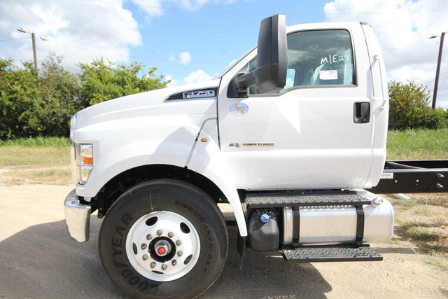 2018 F-750 Regular Cab DRW 4x2,  Cab Chassis #1811F7D - photo 8