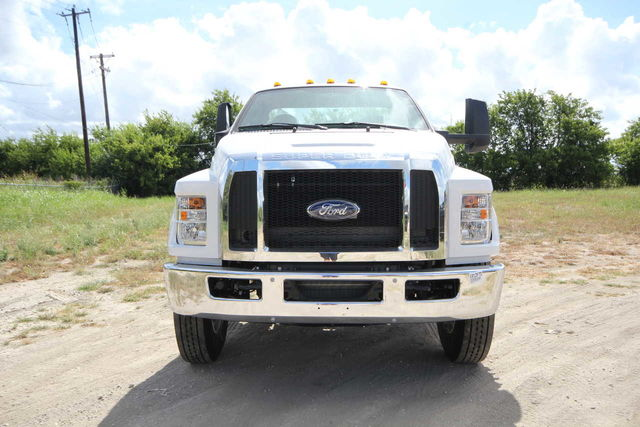 2018 F-750 Regular Cab DRW 4x2,  Cab Chassis #1812F7D - photo 3