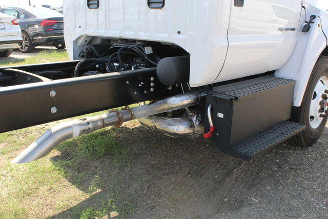 2016 F-750 Regular Cab DRW Cab Chassis #6805319F - photo 16