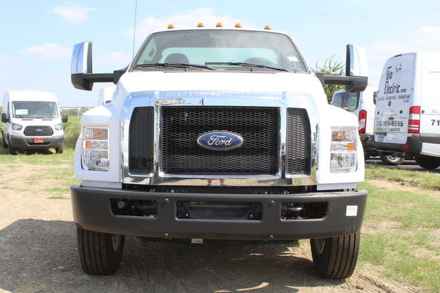 2016 F-750 Regular Cab DRW Cab Chassis #6805319F - photo 3