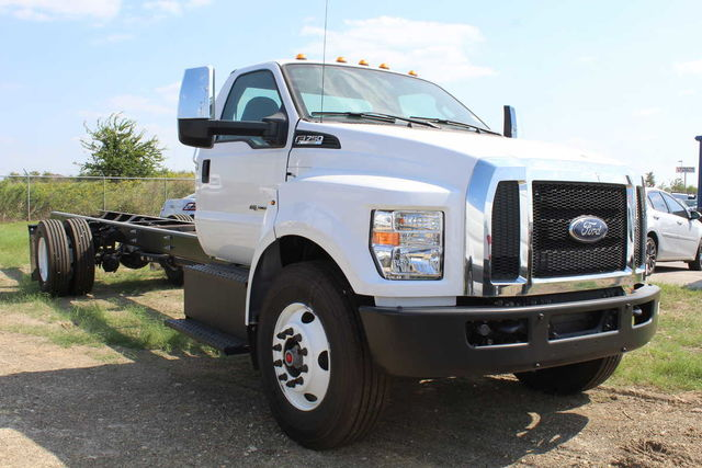 2016 F-750 Regular Cab DRW Cab Chassis #6805319F - photo 4