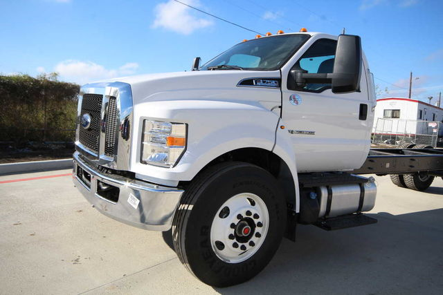 2017 F-750 Regular Cab Cab Chassis #7802850T - photo 3