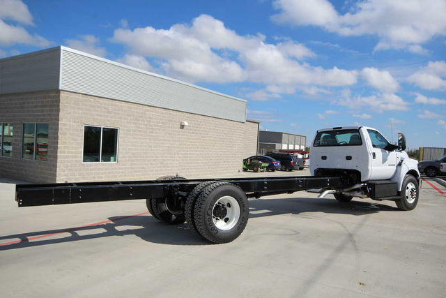 2017 F-750 Regular Cab Cab Chassis #7802854T - photo 7