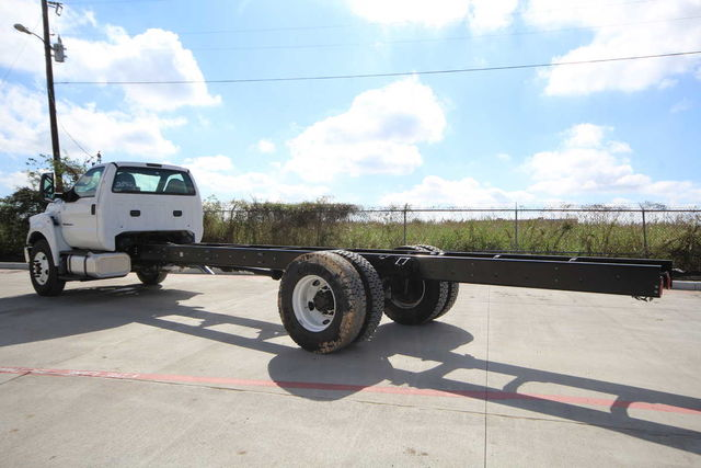 2017 F-750 Regular Cab Cab Chassis #7802854T - photo 2