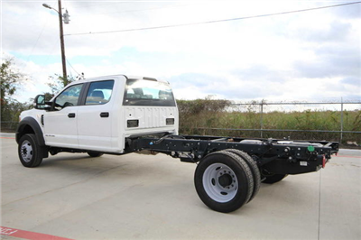 2017 F-450 Crew Cab DRW Cab Chassis #7808000F - photo 2