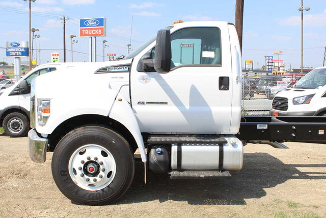 2017 F-750 Regular Cab Cab Chassis #7808580T - photo 7