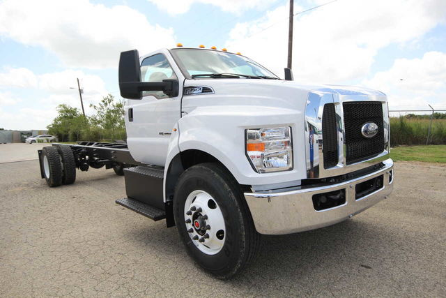 2018 F-750 Regular Cab DRW 4x2,  Cab Chassis #8804335T - photo 4