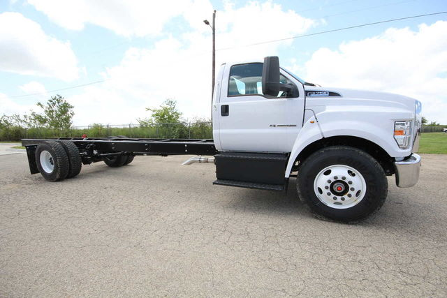 2018 F-750 Regular Cab DRW 4x2,  Cab Chassis #8804335T - photo 5