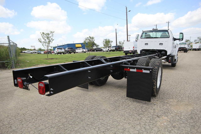 2018 F-750 Regular Cab DRW 4x2,  Cab Chassis #8804335T - photo 6