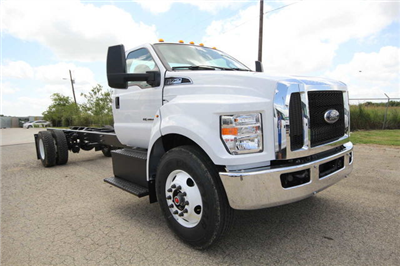 2018 F-750 Regular Cab DRW 4x2,  Cab Chassis #8804339T - photo 4
