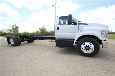 2018 F-750 Regular Cab DRW 4x2,  Cab Chassis #8804339T - photo 5