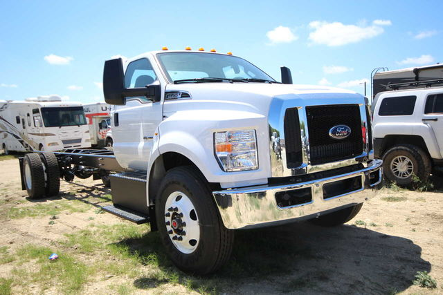 2018 F-750 Regular Cab DRW 4x2,  Cab Chassis #8804340T - photo 4