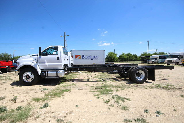 2018 F-750 Regular Cab DRW 4x2,  Cab Chassis #8804344T - photo 5