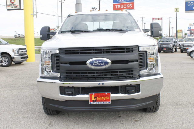 2019 F-350 Crew Cab DRW 4x4,  Pickup #9251605TC - photo 3