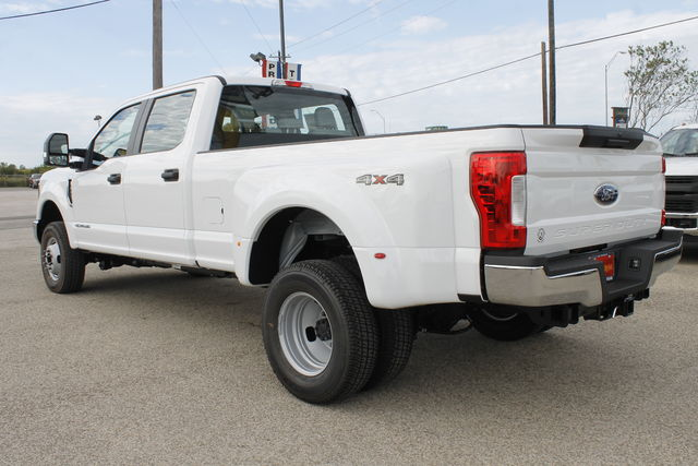 2019 F-350 Crew Cab DRW 4x4,  Pickup #9251605TC - photo 2
