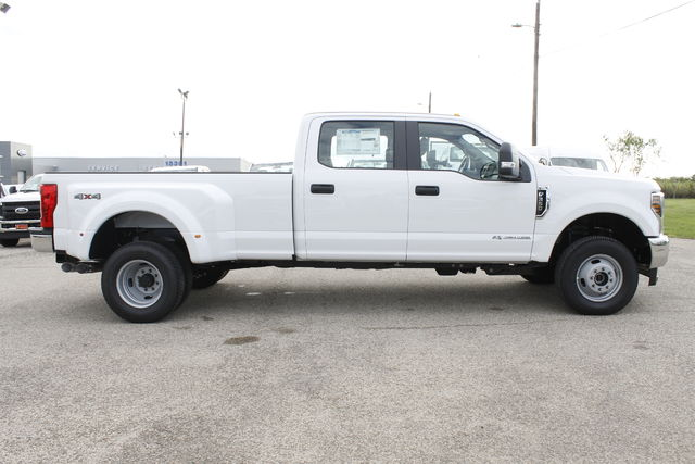 2019 F-350 Crew Cab DRW 4x4,  Pickup #9251606TC - photo 5