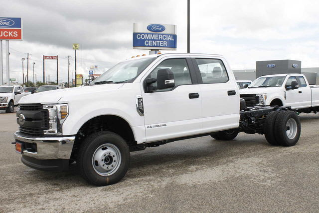 2019 F-350 Crew Cab DRW 4x4,  Cab Chassis #9257228TC - photo 1