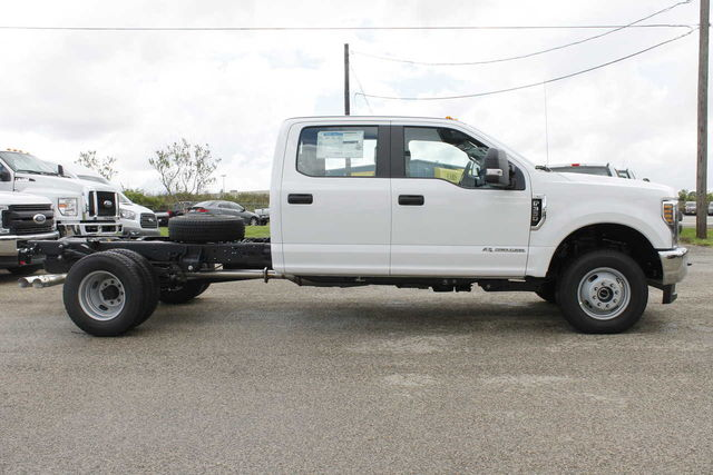 2019 F-350 Crew Cab DRW 4x4,  Cab Chassis #9257228TC - photo 5