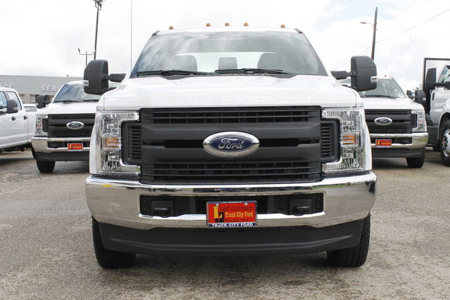 2019 F-350 Crew Cab DRW 4x4,  Cab Chassis #9257229TC - photo 3