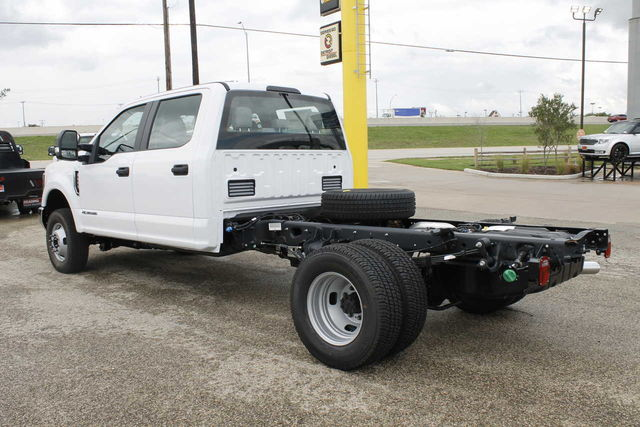 2019 F-350 Crew Cab DRW 4x4,  Cab Chassis #9257229TC - photo 2
