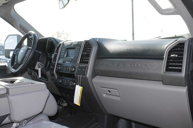 2019 F-250 Crew Cab 4x2,  Royal Service Body #9258883TC - photo 17