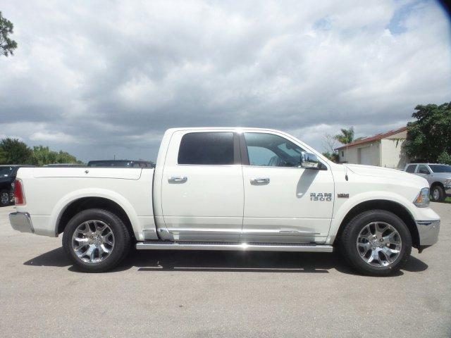 2017 Ram 1500 Crew Cab 4x4 Pickup #D71285 - photo 3