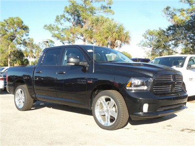 2017 Ram 1500 Crew Cab, Pickup #D71550 - photo 3