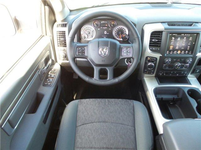2017 Ram 1500 Crew Cab 4x4, Pickup #D71554 - photo 13