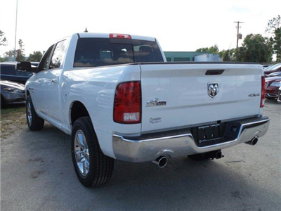 2017 Ram 1500 Crew Cab 4x4, Pickup #D71554 - photo 6