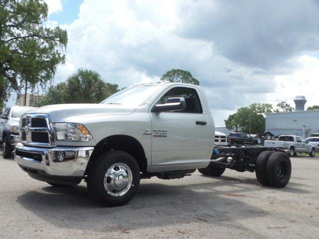 2017 Ram 3500 Regular Cab DRW Cab Chassis #D73544 - photo 7