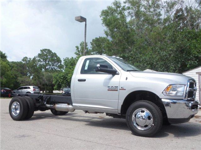 2017 Ram 3500 Regular Cab DRW, Cab Chassis #D73544 - photo 3