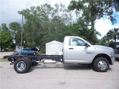 2017 Ram 3500 Regular Cab DRW, Cab Chassis #D73544 - photo 4