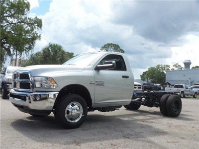 2017 Ram 3500 Regular Cab DRW, Cab Chassis #D73544 - photo 7