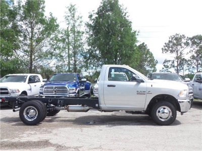 2017 Ram 3500 Regular Cab DRW 4x2,  Cab Chassis #D73545 - photo 4