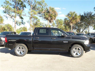 2018 Ram 1500 Crew Cab 4x4,  Pickup #D81088 - photo 4