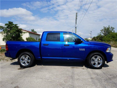 2018 Ram 1500 Crew Cab 4x2,  Pickup #D81322 - photo 3