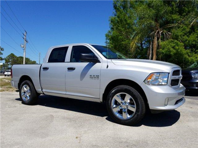2018 Ram 1500 Crew Cab 4x2,  Pickup #D81342 - photo 3