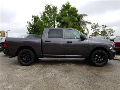 2018 Ram 1500 Crew Cab 4x2,  Pickup #D81359 - photo 4
