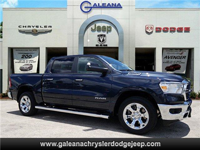 2019 Ram 1500 Crew Cab 4x2,  Pickup #D91086 - photo 1