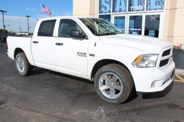 2017 Ram 1500 Crew Cab 4x4 Pickup #R171106 - photo 3