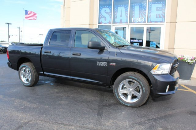 2018 Ram 1500 Crew Cab 4x4 Pickup #R181007 - photo 3