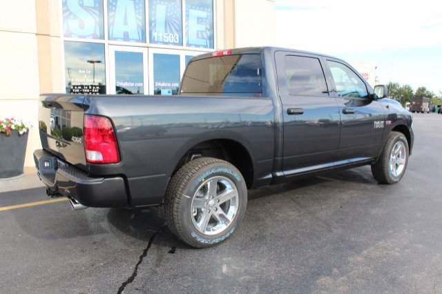 2018 Ram 1500 Crew Cab 4x4 Pickup #R181007 - photo 2