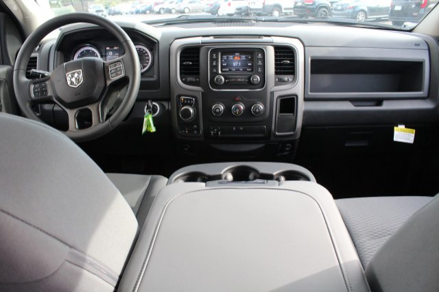 2018 Ram 1500 Crew Cab 4x4 Pickup #R181007 - photo 5