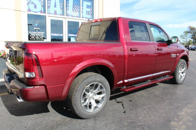 2018 Ram 1500 Crew Cab 4x4 Pickup #R181009 - photo 2