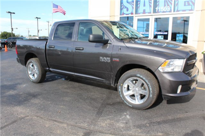 2018 Ram 1500 Crew Cab 4x4, Pickup #R181012 - photo 3