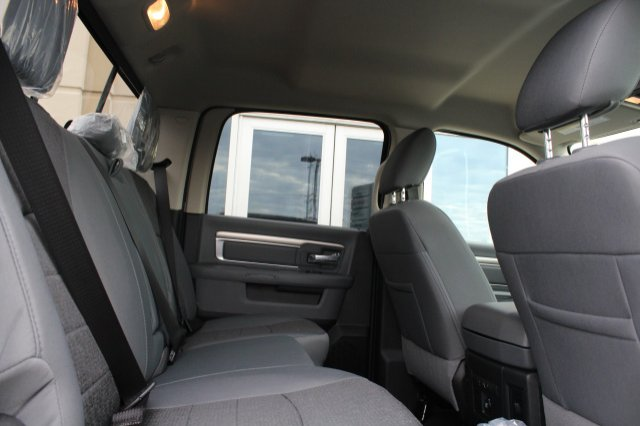 2018 Ram 1500 Crew Cab 4x4, Pickup #R181018 - photo 4