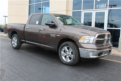 2018 Ram 1500 Crew Cab 4x4, Pickup #R181018 - photo 3